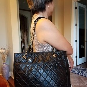 Authentic Chanel Black Quilted Lambskin GHW Handba